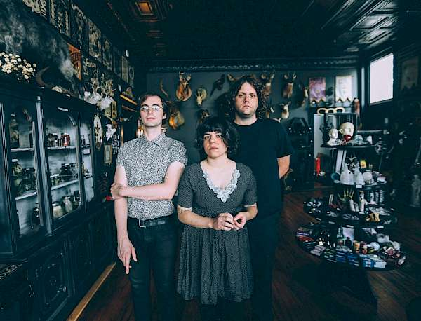 Flyer Screaming Females
